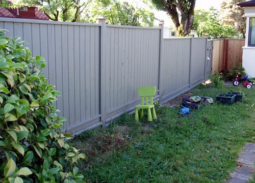 Back yard - 2006 new fence